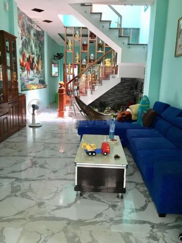 Phòng khách nhà phố Quận Bình Tân Nhà phố Q.Bình Tân hướng Đông Bắc diện tích 79m2, sổ hồng riêng.