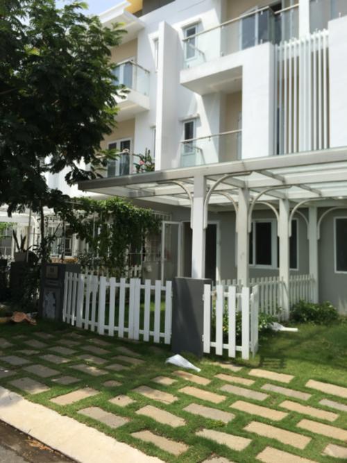 Nhà phố nhà phố Melosa Garden Bán nhà phố 3 tầng Melosa Garden Khang Điền, không gian yên tĩnh, tiện ích đầy đủ.