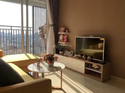 Căn hộ Sunrise CityView tầng 10 thoáng mát, đầy đủ nội thất.