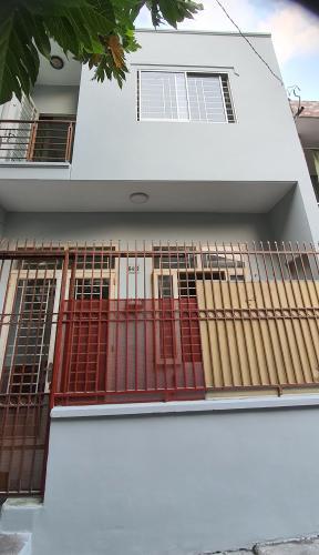 Nhà phố huóng Tây Nam bàn giao sổ hồng riêng, diện tích 90m2.