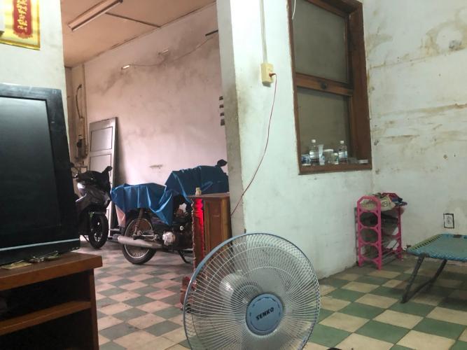 Phòng khách nhà phố Phú Nhuận Bán nhà mặt tiền Phan Đăng Lưu, Phú Nhuận, sổ hồng, cách công viên Phú Nhuận 500m