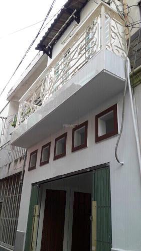Mặt tiền nhà phố Dương Bá Trạc, Quận 8 Nhà phố hướng Đông, cách hẻm xe hơi 20m thông chợ Rạch Ông.