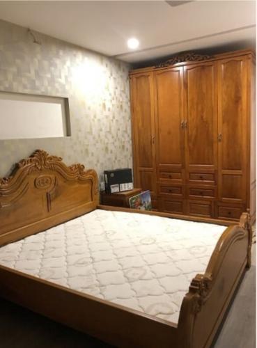 phòng ngủ căn hộ city gate Căn hộ City Gate tầng cao, lót sàn gỗ, đầy đủ nội thất.