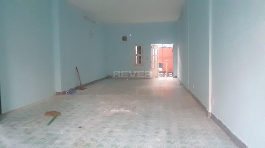 Bên trong nhà phố Nguyễn Kiệm, Phú Nhuận Nhà phố 2 mặt tiền hướng Đông, thích hợp mở văn phòng.