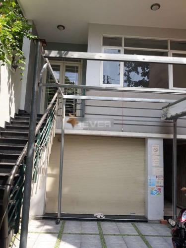 Văn phòng Quận Bình Tân Văn phòng kết cấu 1 trệt 3 lầu kiên cố, mặt tiền đường C1 rộng rãi.