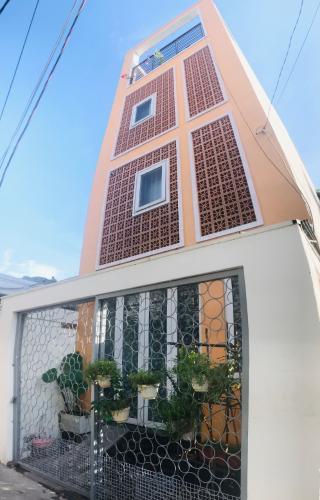 Nhà phố hẻm rộng 3.5m đường Nguyễn Văn Bá, gần nhà ga Metro Bình Thái.