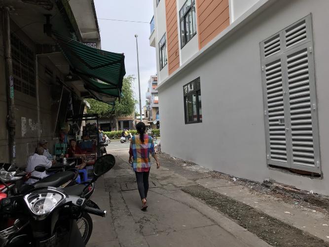Nhà phố Hồng Bàng, Quận 11 Nhà phố hướng Đông, diện tích 39.4m2, sổ hồng riêng.