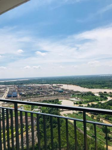 Ban công Vinhomes Grand Park Quận 9 Căn hộ Vinhomes Grand Park view sông tắc, tầng cao đón gió.