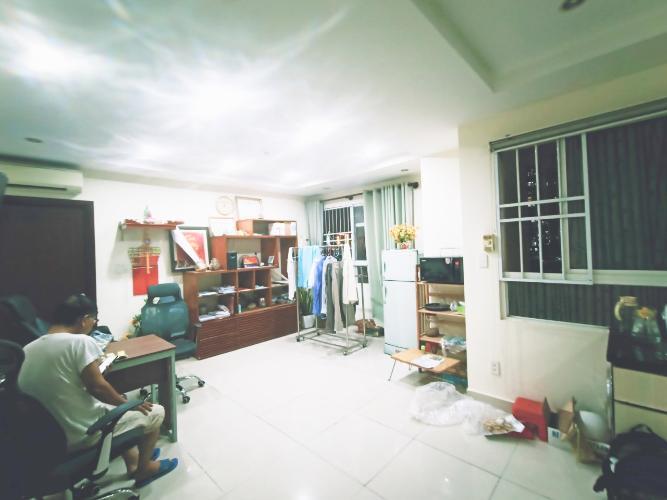 Căn hộ Cao ốc Thịnh Vượng hướng Đông Bắc, nội thất cơ bản.