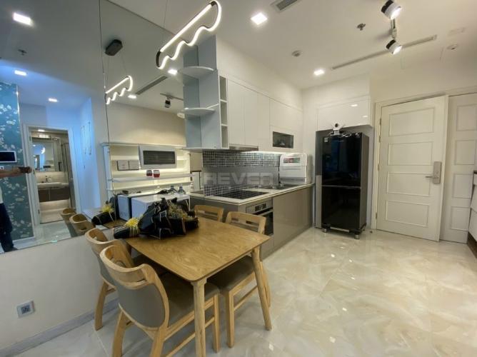 Phòng bếp , Căn Officetel Vinhomes Golden River , Quận 1 Căn hộ Officetel Vinhomes Golden River tầng 12 view thoáng mát.