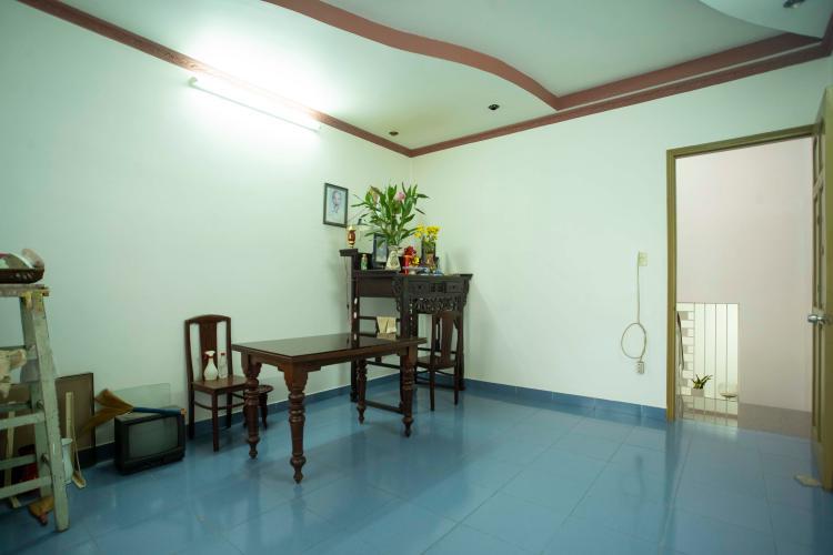 Phòng thờ nhà Hoàng Hoa Thám, Bình Thạnh Nhà phố Hoàng Hoa Thám 80.5m2, sân thượng thoáng mát.