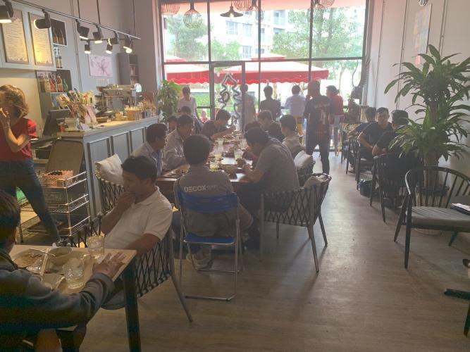 không gian quán Shophouse Palm Residences diện tích 96m2, kinh doanh quán cafe thuận tiện