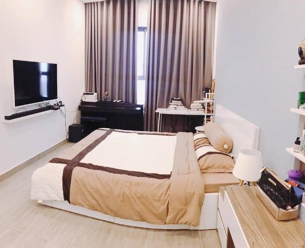 Phòng ngủ Kingston Residence, Phú Nhuận Căn hộ tầng trung Kingston Residence ban công hướng Đông Nam.
