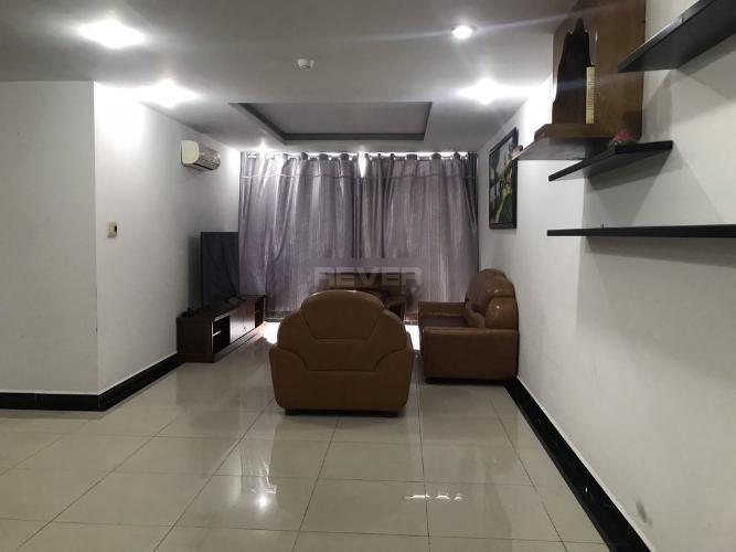 Phòng khách Chánh Hưng Giai Việt, Quận 8 Căn hộ Chánh Hưng Giai Việt tầng trung, nội thất đầy đủ.
