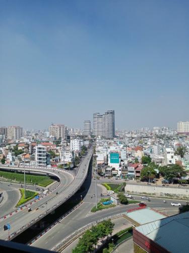 View căn hộ Sunwah Pearl, Bình Thạnh Căn hộ cao cấp Sunwah Pearl tầng 11, view thành phố mát mẻ.