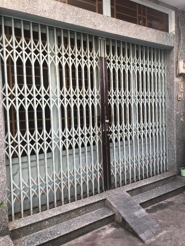 Mặt tiền nhà phố Tô Hiến Thành, Quận 10 Nhà phố tổng diện tích 192m2, hướng Tây Bắc, khu dân cư an ninh
