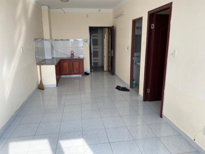 Căn hộ chung cư Tân Phước Plaza bàn giao nội thất cơ bản, hướng Tây.