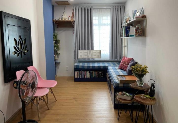 Căn hộ Chung cư Tôn Thất Thuyết tầng 13, đầy đủ nội thất hiện đại.
