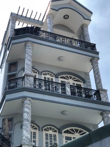 Nhà phố đường Nguyễn Thị Định diện tích sử dụng 400m2, đầy đủ nội thất.