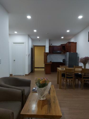 Phòng khách căn hộ RichStar, Quận Tân Phú Căn hộ RichStar tầng 22 view đón gió thoáng mát, nội thất đầy đủ.