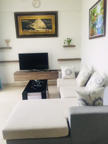 Căn hộ Masteri Thảo Điền tầng cao view sông mát mẻ, nội thất cơ bản.