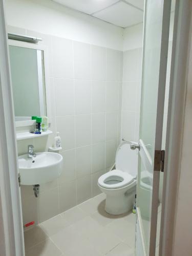 Phòng tắm căn hộ E-Home 5 The Bridgeview, Quận 7 Căn hộ Ehome 5 The Bridgeview cửa hướng Tây Nam, đầy đủ nội thất.