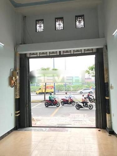 Không gian mặt bằng kinh doanh quận 5 Mặt bằng kinh doanh Quận 5 hướng Đông, bàn giao không nội thất.