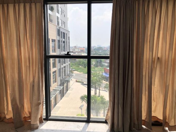 Căn hộ view nội khu The Sun Avenue nội thất cơ bản.