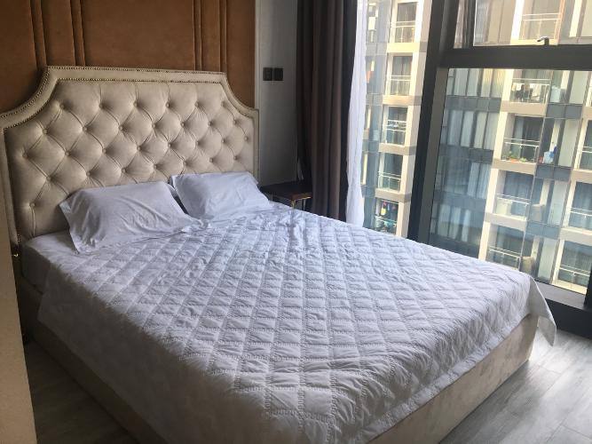 Phòng ngủ Vinhomes Golden River, Quận 1 Căn hộ Vinhomes Golden River hướng Đông Bắc, đầy đủ nội thất.