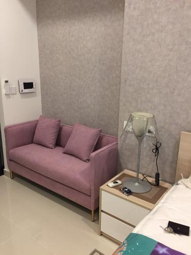 Căn Studio The Tresor tầng 3 thiết kế hiện đại, đầy đủ nội thất.