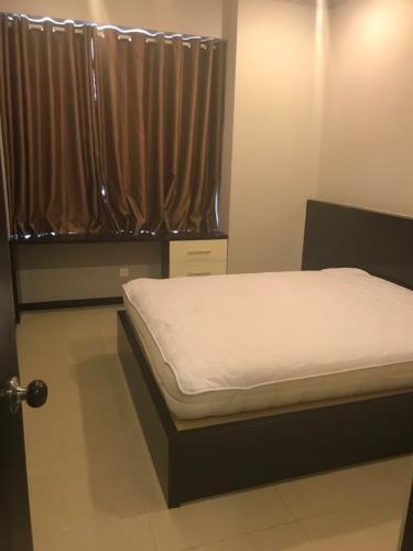 Phòng ngủ Saigon Pearl Quận Bình Thạnh Căn hộ Saigon Pearl nội thất cơ bản, view thành phố.