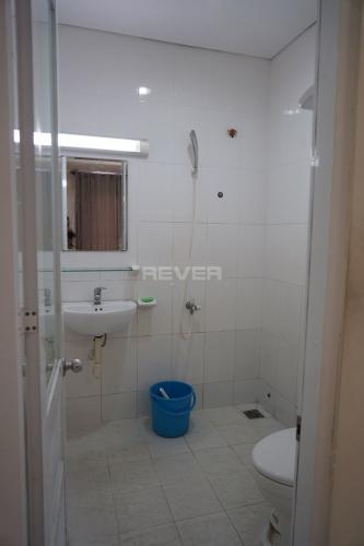 Phòng tắm Lotus Apartment, Quận 11 Căn hộ Lotus Apartment nội thất cơ bản, view thoáng mát.