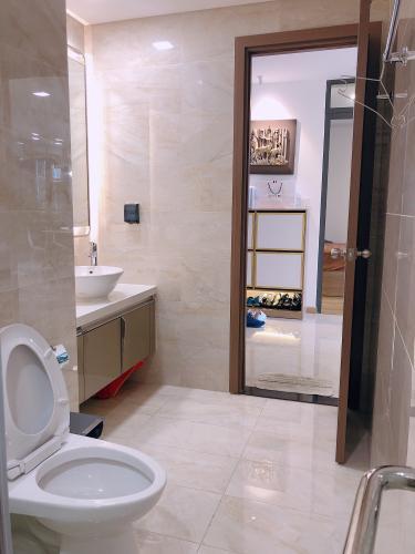 Phòng tắm Vinhomes Central Park Căn hộ Vinhomes Central Park, Landmark 81 tầng trung, đầy đủ nội thất