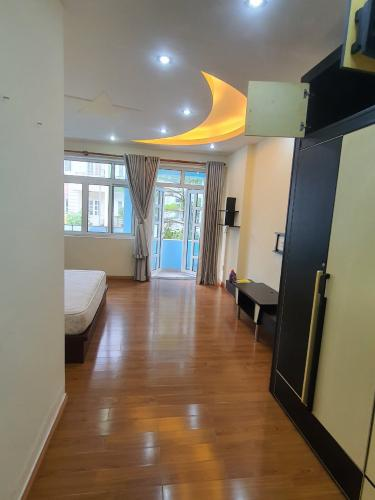 Không gian nhà phố Huyện Bình Chánh Nhà phố trong KDC 6B Intresco diện tích 100m2, thiết kế sang trọng.