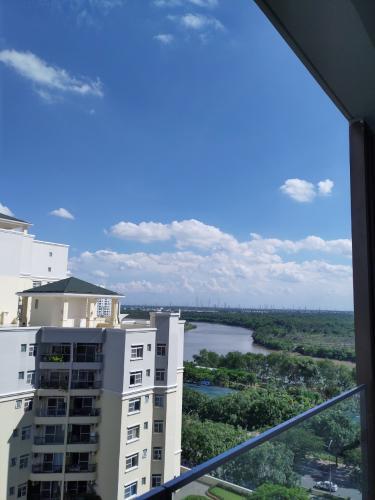 View căn hộ PHÚ MỸ HƯNG MIDTOWN Bán hoặc cho thuê căn hộ Phú Mỹ Hưng Midtown 2PN, diện tích 88m2, đầy đủ nội thất, view khu biệt thự