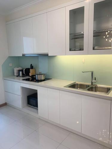 phòng bếp căn hộ Vinhomes Central Park Căn hộ Vinhomes Central Park tầng 36 nội thất đầy đủ