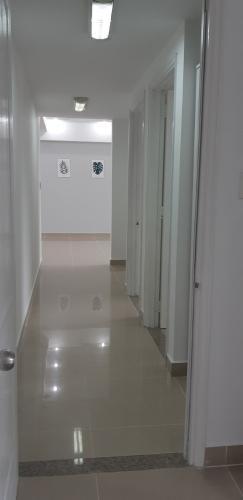 Không gian căn hộ Grand View, Quận 7 Căn hộ Grand View gồm 3 phòng ngủ, tiện ích xung quanh đầy đủ.