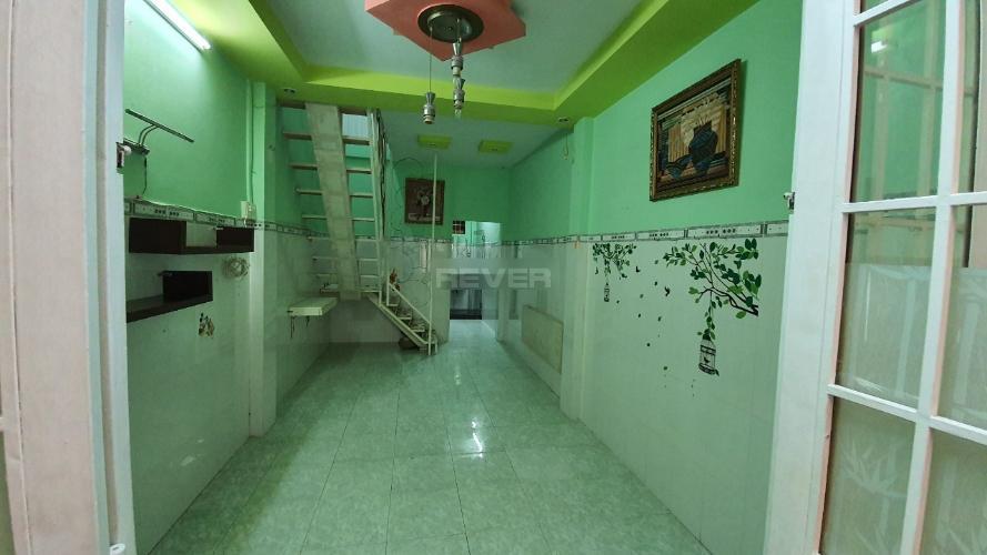Nhà phố trung tâm Quận Phú Nhuận tiện ích đầy đủ, kết cấu 1 trệt 1 lầu.