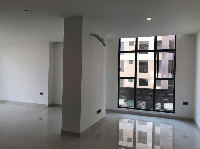 Không gian căn hộ Saigon Royal , Quận 4 Căn hộ Saigon Royal tầng thấp hướng cửa Đông Nam, view nội khu yên tĩnh.