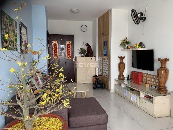Căn hộ Phú Thạnh Apartment tầng trung, hướng Đông Nam.