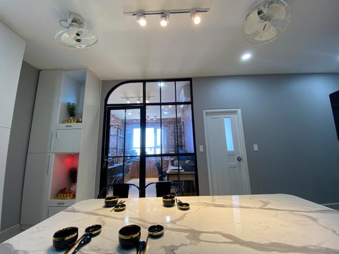 Bàn ăn căn hộ Topaz Elite, Quận 8 Căn hộ Topaz Elite tầng cao đầy đủ nội thất, hướng Đông Bắc.