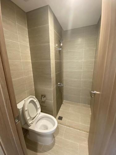 Toilet Vinhomes Grand Park Quận 9 Căn hộ Vinhomes Grand Park view sông thoáng mát, 2 phòng ngủ.
