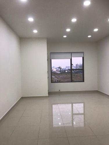 Bên trong officetel Sunrise CityView Office-tel Sunrise Cityview ban công hướng Bắc, nội thất cơ bản.