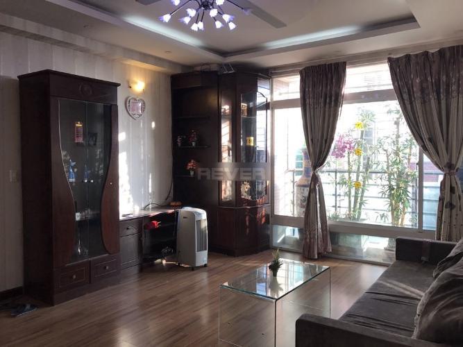 Căn hộ chung cư Thuận Việt hướng Tây Nam, đầy đủ nội thất.