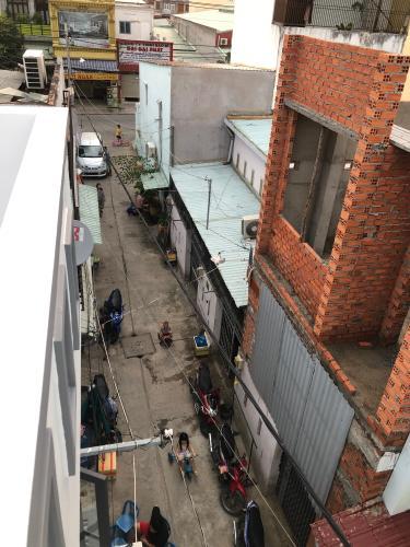 Hẻm nhà phố Nhà phố Bình Tân cửa hướng Bắc thiết kế kiên cố, hẻm xe máy.