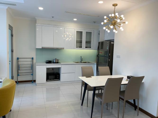 phòng bếp căn hộ Vinhomes Central Park Căn hộ tầng 32 Vinhomes Central Park ban công Tây Nam