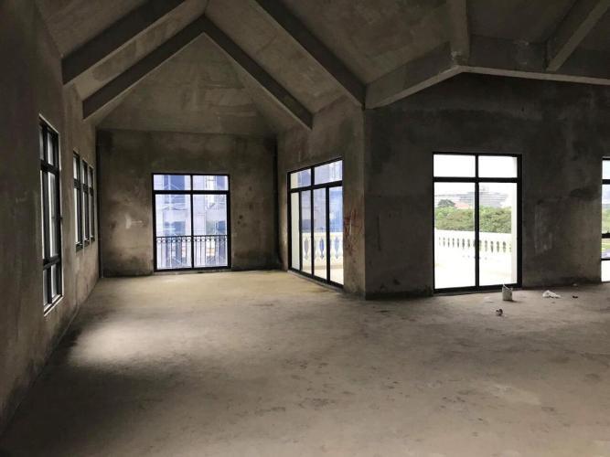Biệt thự Vinhomes Golden River diện tích 225m2, không nội thất.