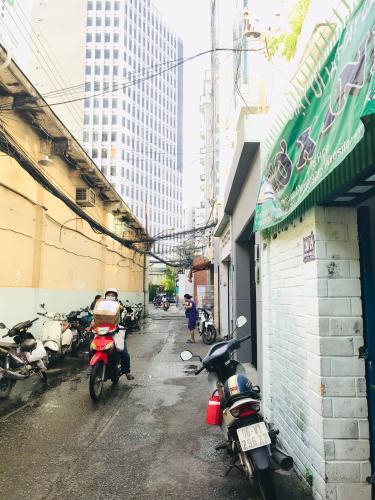 Hẻm nhà phố quận 4 Bán nhà phố 4 phòng ngủ đường hẻm Nguyễn Trường Tộ, diện tích đất 86.6m2, diện tích sàn 167.4m2, sổ hồng đầy đủ