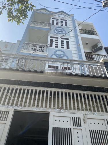 Nhà phố 1 trệt 3 lầu diện tích đất 64m2, khu dân cư đông đúc.