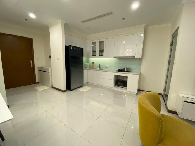 phòng bếp căn hộ Vinhomes Central Park Căn hộ tầng 33 Vinhomes Central Park bàn giao nội thất đầy đủ